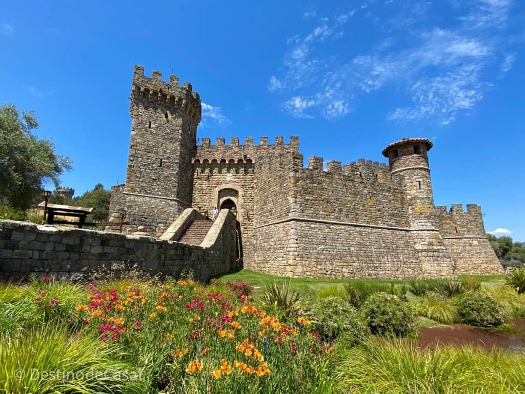 Castello di Amorosa, uma das vinícolas do Napa Valley